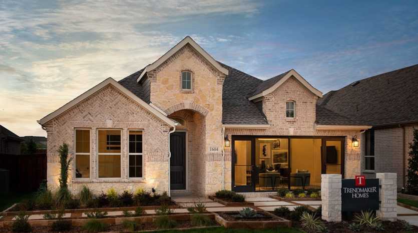 Trendmaker Homes Discovery Collection 50' at Gateway Parks subdivision 1604 Cedar Crest Drive Forney TX 75126